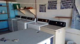 Traspaso/Vendo lavandería 4 lavadoras y 5 secadoras, tanque de gas azotea, accesorios, inf. Tel 9992 00 45 49